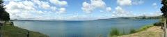 【タウポ湖】夏は観光客でにぎわう