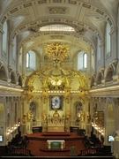 【ノートルダム大聖堂】天井や壁面の装飾は芸術的
