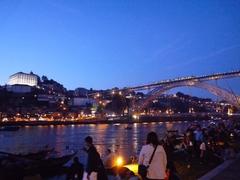 【ドン・ルイス1世橋】ライトアップされた夜の橋
