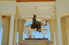 【シルバーパゴダ】元ノロドム王の騎馬像