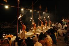 アラティー(祈祷の儀式)