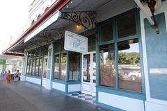 【カフェ・ペスト】ダウンタウンのメイン通り沿いにあるレストラン