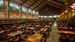 【HA:ブレス・オブ・ライフ】スタンダードプランには、ゲートウェイ・レストランでのハワイアンビュッフェが含まれる