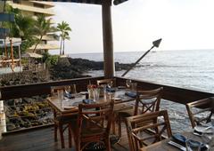 【ハゴス】美しいコナの夕陽眺めて食事を楽しんで