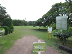 【モアナルア・ガーデン】ガーデンの入口、ここから先は入場料を払っての入園となる