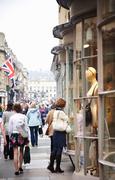 【バース市街】ショッピング街は人通りが多い