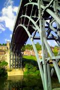 【アイアンブリッジ峡谷】世界初の鉄橋