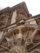 【コナーラクの太陽神寺院】車輪の数は全部で24