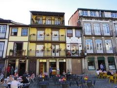【ギマランイス歴史地区】旧市街地には古い建物