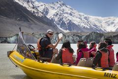 【タスマン氷河】氷河をすぐそばで眺めることができる