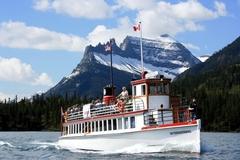 【ウォータートン・レイク国立公園】165人乗りの船で運行されている