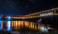 【イタイプー水力発電所】夜の様子