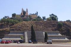 ポポカテペトル山腹の16世紀初頭の修道院群