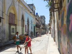 【オールド・ハバナとその要塞群】旧市街の路地2