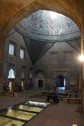 【インジェ・ミナレ神学校 (彫刻博物館)】神学校内部のドームと周辺