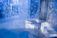 【アイスバー・ストックホルム】シャンデリアや家具もすべて氷で出来ている