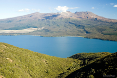 【トンガリロ国立公園】ルアペフ山とロトアイラ湖