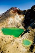 【トンガリロ国立公園】エメラルド色のカルデラ湖