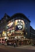 【クイーンズ劇場】30年以上も続くロングランのレミゼラブルは今も人気