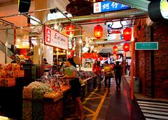 【ベルジャヤ・タイムズ・スクエア】食べ物を売る店も多い