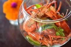 【サンバル・シュリンプ・レストラン・アンド・バー】オリジナルのエビ料理を堪能
