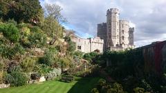 【ウインザー城】かつての内堀は斜面を利用した庭園に