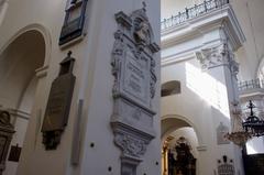 【聖十字架教会】ショパンの心臓が安置されている柱