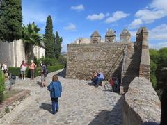 【ヒブラルファロ城】市街を見下ろす高台にある要塞