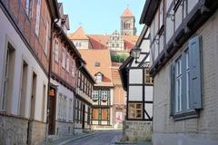 【クヴェトリンブルクの聖堂参事会教会、城と旧市街】世界遺産の町並み