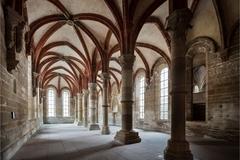 【マウルブロンの修道院群】中世の雰囲気が残る内部