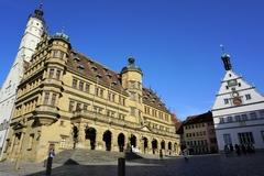 【マルクト広場】壮麗な市庁舎