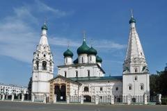 【ヤロスラヴル市街の歴史地区】美しいイコンやフレスコ画が印象的なイリヤ・プロローク教会