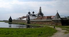 【ソロヴェツキー諸島の文化と歴史遺産群】世界遺産にも登録されているソロヴェツキー島の修道院