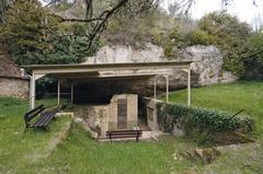 【ヴェゼール渓谷の先史時代史跡群と洞窟壁画群】渓谷内にある史跡群のひとつ