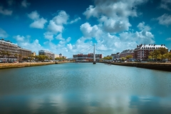 【ル・アーヴル、オーギュスト・ペレによる再建都市】港に面して広がる再建都市