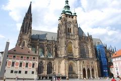 【プラハ城】重厚な建物