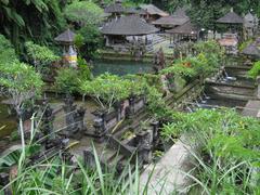 【グヌン・カウィ・スバトゥ寺院】森に囲まれた神秘的な雰囲気