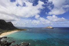 【マカプウ岬】マカプウ岬の先端、トレイルの最終地点から見下ろせる灯台
