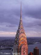 【クライスラー・ビル】ステンレスでできたうろこ状の尖塔が有名