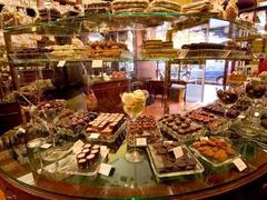 【ヴィーナー・ショコラーデ・ケーニッヒ】手作りチョコレートが山盛りの店内