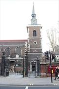 【セント・ジェームズ教会】レンガで造られたエレガントな教会