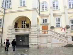 【ウィーン王宮宝物館】展示品のハプスブルク家の王冠
