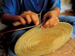 【アシタバ工房】アタ製品は手作りで作られている