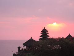 【タナ・ロット寺院】海の上に建つ名刹